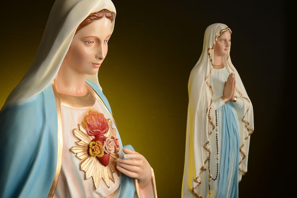 Le statue della Madonna