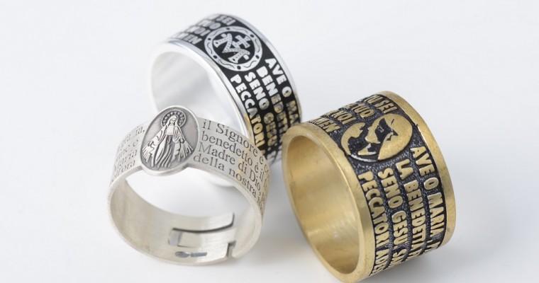 Dare voce alla propria fede con gli anelli preghiera
