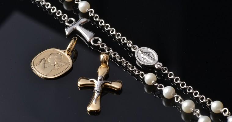 Unire eleganza e fede: alla scoperta dei gioielli Holyart