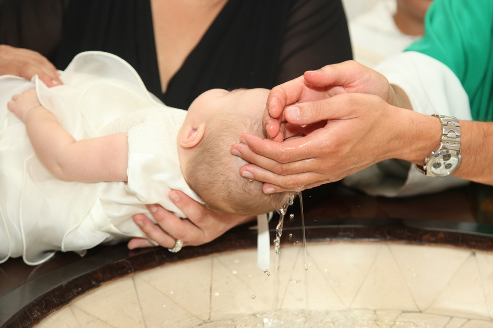 Il Battesimo: il significato, i simboli e come organizzarlo