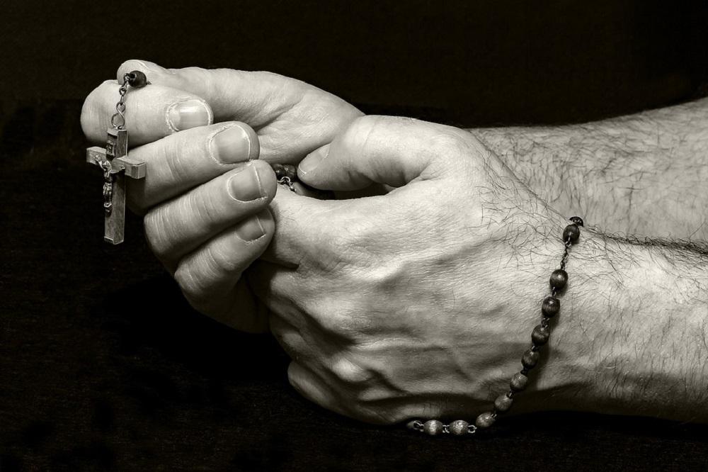 Liturgia delle ore: una breve guida per recitare l'Ufficio Divino