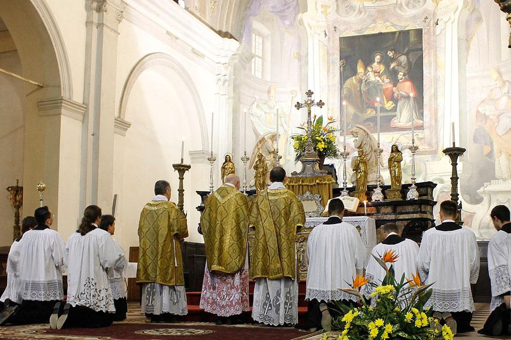 Come Servire La Messa.I Ruoli Dei Ministranti Holyblog