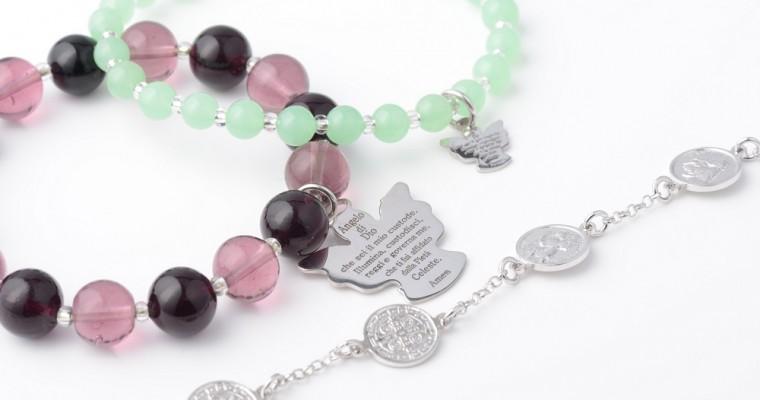 7 tipi di bracciali religiosi da indossare con stile