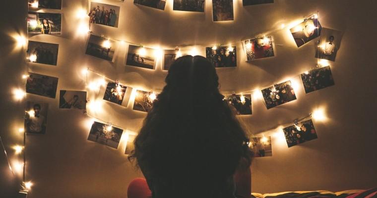 Luci di Natale in camera: guida all'utilizzo