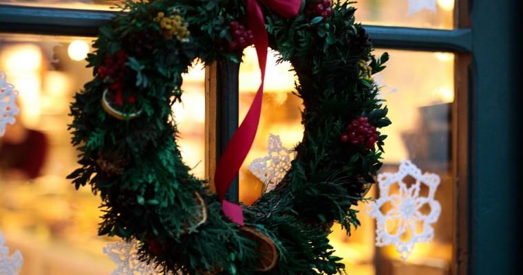 10 decorazioni natalizie fai da te per finestre