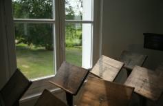 Leggii in plexiglass o in legno? La tua comodità non ha prezzo