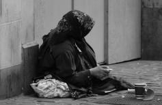 Fare l'elemosina: è carità?