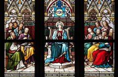 In occasione della Pentecoste prega Maria che scioglie i nodi